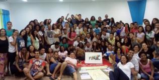 Jovens guardiões e equipe da Funac