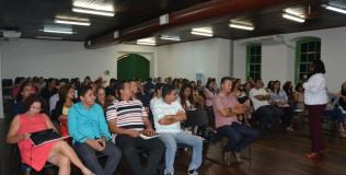 Presidente da Funac, Elisângela Cardoso, contextualiza o cenário socioeducativo aos servidores